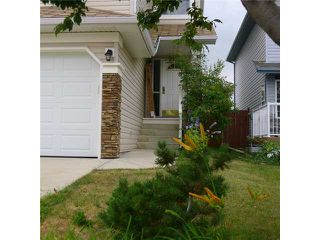 Photo 3: 283 BRIDLEWOOD Circle SW in CALGARY: Bridlewood Residential Detached Single Family for sale (Calgary)  : MLS®# C3630373