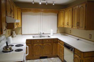 Photo 2: 102 Greyfriars Road in Winnipeg: Fort Richmond Single Family Detached for sale (South Winnipeg)  : MLS®# 1425384