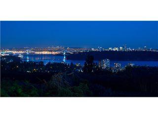 Photo 2: 2580 Queens Av in West Vancouver: Queens House for sale : MLS®# V1121052