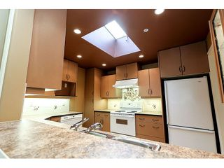 Photo 6: 308 15342 20 AVENUE in Surrey: King George Corridor Condo for sale (South Surrey White Rock)  : MLS®# R2005987