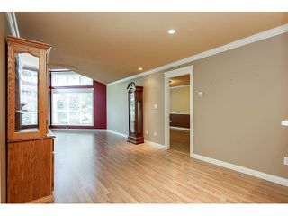 Photo 7: 308 15342 20 AVENUE in Surrey: King George Corridor Condo for sale (South Surrey White Rock)  : MLS®# R2005987