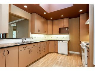 Photo 3: 308 15342 20 AVENUE in Surrey: King George Corridor Condo for sale (South Surrey White Rock)  : MLS®# R2005987