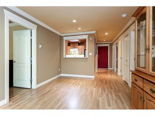Photo 9: 308 15342 20 AVENUE in Surrey: King George Corridor Condo for sale (South Surrey White Rock)  : MLS®# R2005987