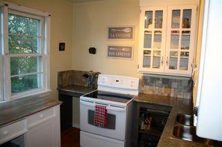 Photo 2: 12815 117 AV NW NW in Edmonton: Zone 07 House for sale : MLS®# E4044223
