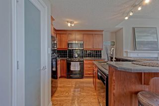 Photo 8: 9020 JASPER AV NW in Edmonton: Zone 13 Condo for sale : MLS®# E4122786