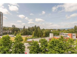 "Photo 2: 607 200 NEWPORT Drive in Port Moody: North Shore Pt Moody Condo for sale in ""Elgin"" : MLS®# R2393281"