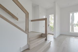 Photo 3: 14724 91 Avenue in Edmonton: Zone 10 House for sale : MLS®# E4169745