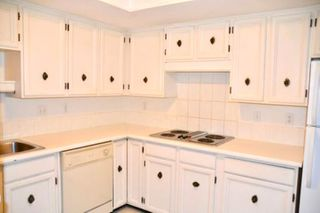 "Photo 6: 216 2320 W 40TH Avenue in Vancouver: Kerrisdale Condo for sale in ""MANOR GARDENS"" (Vancouver West)  : MLS®# R2420616"