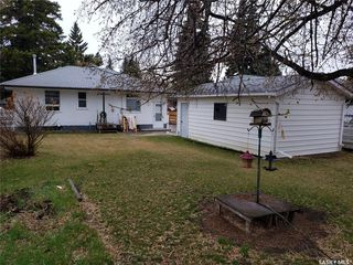 Photo 2: 1505 Cumberland Avenue South in Saskatoon: Holliston Residential for sale : MLS®# SK792983