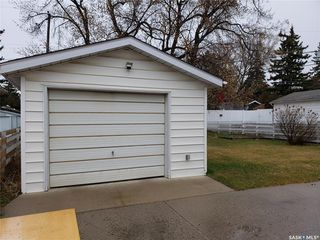 Photo 3: 1505 Cumberland Avenue South in Saskatoon: Holliston Residential for sale : MLS®# SK792983