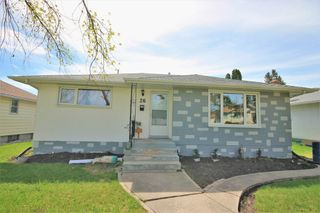 Photo 1: 26 Portland Avenue in Winnipeg: Residential for sale (2D)  : MLS®# 202010814