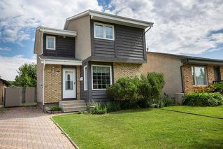 Photo 1: 71 Dunits Drive in Winnipeg: Sun Valley Park Residential for sale (3H)  : MLS®# 202016987