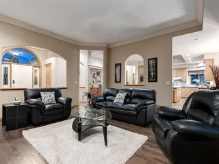 Photo 3: 55 SPRING MEADOWS Lane: Calgary Detached for sale : MLS®# A1016168