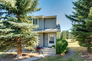Photo 2: 57 BERMUDA Lane NW in Calgary: Beddington Heights Row/Townhouse for sale : MLS®# A1024812