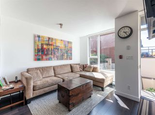 """Main Photo: 1955 COLLINGWOOD Street in Vancouver: Kitsilano Townhouse for sale in """"Viridian Green"""" (Vancouver West)  : MLS®# R2493152"""