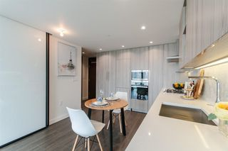 Photo 9: 1702 89 NELSON Street in Vancouver: Yaletown Condo for sale (Vancouver West)  : MLS®# R2502656
