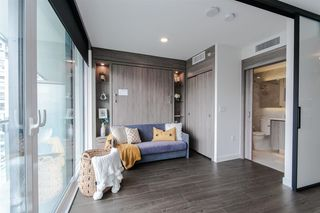 Photo 3: 1702 89 NELSON Street in Vancouver: Yaletown Condo for sale (Vancouver West)  : MLS®# R2502656