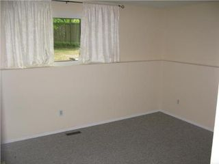 Photo 10: Spacious 3 Bedroom Home