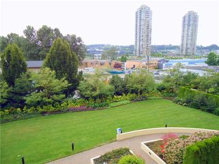 "Photo 3: TH8 2138 MADISON Avenue in Burnaby: Brentwood Park Townhouse for sale in ""RENAISSANCE"" (Burnaby North)  : MLS®# V981964"