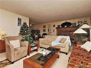 Photo 3: 240 Burnett Rd in VICTORIA: VR Six Mile Single Family Detached for sale (View Royal)  : MLS®# 626557