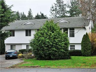 Photo 1: 240 Burnett Rd in VICTORIA: VR Six Mile Single Family Detached for sale (View Royal)  : MLS®# 626557