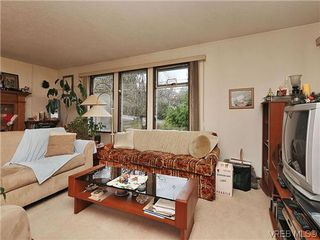 Photo 6: 240 Burnett Rd in VICTORIA: VR Six Mile Single Family Detached for sale (View Royal)  : MLS®# 626557