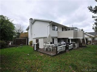 Photo 19: 240 Burnett Rd in VICTORIA: VR Six Mile Single Family Detached for sale (View Royal)  : MLS®# 626557