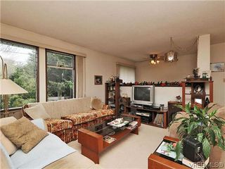 Photo 2: 240 Burnett Rd in VICTORIA: VR Six Mile House for sale (View Royal)  : MLS®# 626557