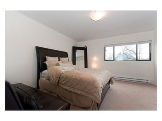 Photo 5: 1729 E 6TH Avenue in Vancouver: Grandview VE House for sale (Vancouver East)  : MLS®# V989769