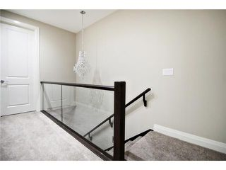 Photo 15: 2420 Bowness Road NW in CALGARY: West Hillhurst Residential Attached for sale (Calgary)  : MLS®# C3555115