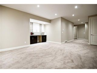 Photo 18: 2420 Bowness Road NW in CALGARY: West Hillhurst Residential Attached for sale (Calgary)  : MLS®# C3555115