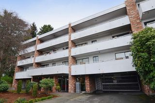 "Photo 10: 403 360 E 2ND Street in North Vancouver: Lower Lonsdale Condo for sale in ""EMERALD MANOR"" : MLS®# V993819"