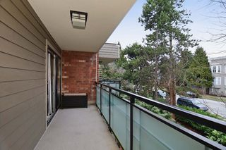 "Photo 9: 403 360 E 2ND Street in North Vancouver: Lower Lonsdale Condo for sale in ""EMERALD MANOR"" : MLS®# V993819"
