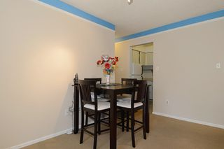 "Photo 5: 403 360 E 2ND Street in North Vancouver: Lower Lonsdale Condo for sale in ""EMERALD MANOR"" : MLS®# V993819"