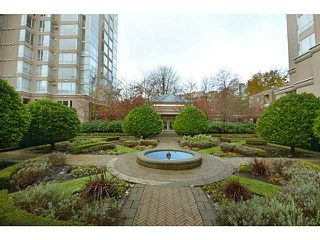 Photo 16: # 202 2668 ASH ST in Vancouver: Fairview VW Condo for sale (Vancouver West)  : MLS®# V1026379