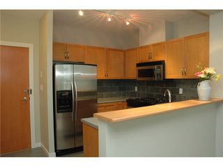 Photo 6: # 313 2263 REDBUD LN in Vancouver: Kitsilano Condo for sale (Vancouver West)  : MLS®# V1026120
