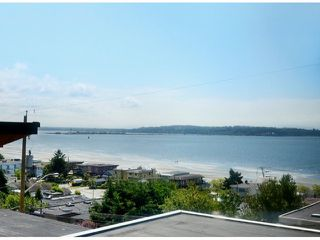 Photo 4: 15523 COLUMBIA AV: White Rock House for sale (South Surrey White Rock)  : MLS®# F1414879