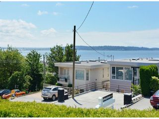 Photo 3: 15523 COLUMBIA AV: White Rock House for sale (South Surrey White Rock)  : MLS®# F1414879