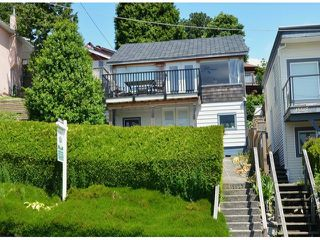 Photo 1: 15523 COLUMBIA AV: White Rock House for sale (South Surrey White Rock)  : MLS®# F1414879
