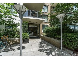 Photo 2:  in Vancouver West: Condo for sale : MLS®# R2076164