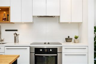 """Photo 6: 514 256 E 2ND Avenue in Vancouver: Mount Pleasant VE Condo for sale in """"The Jacobsen"""" (Vancouver East)  : MLS®# R2412612"""