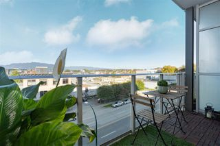 """Photo 14: 514 256 E 2ND Avenue in Vancouver: Mount Pleasant VE Condo for sale in """"The Jacobsen"""" (Vancouver East)  : MLS®# R2412612"""