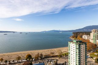 """Photo 15: 1905 1221 BIDWELL Street in Vancouver: West End VW Condo for sale in """"Alexandra"""" (Vancouver West)  : MLS®# R2415901"""