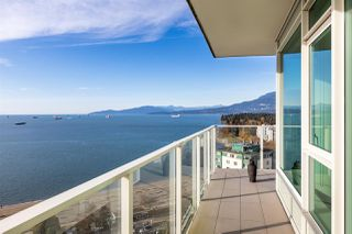 """Photo 3: 1905 1221 BIDWELL Street in Vancouver: West End VW Condo for sale in """"Alexandra"""" (Vancouver West)  : MLS®# R2415901"""