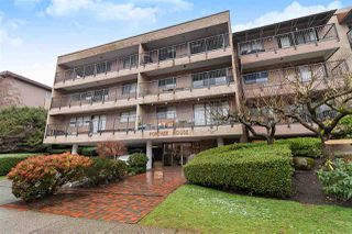 """Photo 2: 202 330 E 1ST Street in North Vancouver: Lower Lonsdale Condo for sale in """"PORTREE HOUSE"""" : MLS®# R2428518"""