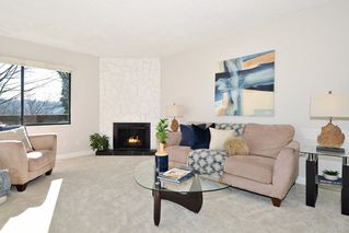 Photo 2: 563 IOCO Road in Port Moody: North Shore Pt Moody Townhouse for sale : MLS®# R2440860