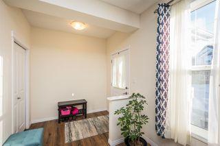 Photo 4: 2332 71 Street in Edmonton: Zone 53 House for sale : MLS®# E4190850