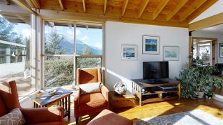 "Photo 4: 40269 AYR Drive in Squamish: Garibaldi Highlands House for sale in ""GARIBALDI HIGHLANDS"" : MLS®# R2444243"