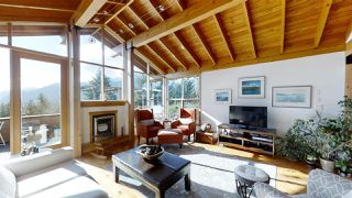 "Photo 3: 40269 AYR Drive in Squamish: Garibaldi Highlands House for sale in ""GARIBALDI HIGHLANDS"" : MLS®# R2444243"