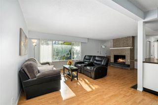 Photo 6: 560 Ridley Dr in : Co Wishart North House for sale (Colwood)  : MLS®# 859272